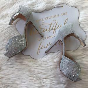 De Blossom Collection Shoes - De Blossom | Silver Dressy Party Heels | Size 8.5